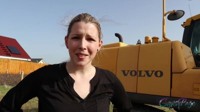 Iwantclips.com GypsyPage  Brazenly PISSED off from the EXCAVATOR