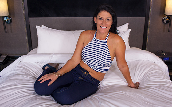 MomPov Sexy Midwest MILF porn first timer