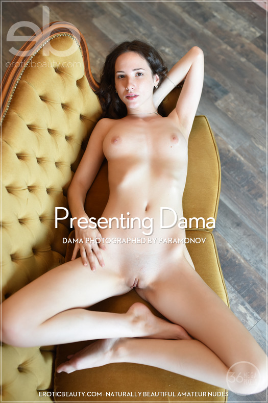 Erotic-Beauty Dama in Presenting Dama