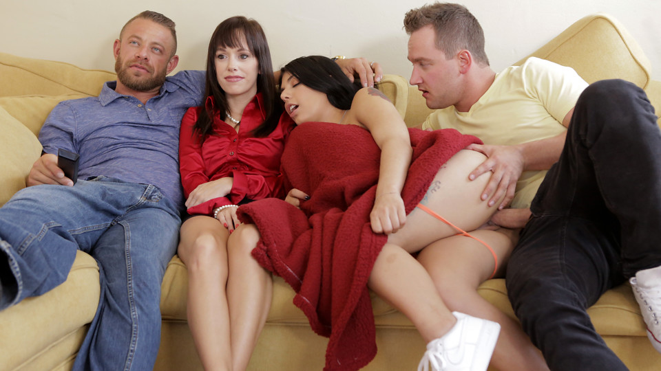 Nubiles-porn StepSiblingsCaught Family Flicks – S8:E1 Aug 19, 2018