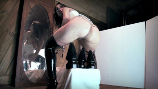 MANYVIDS ArgenDana in Even Bigger 6 inches ButtPlug Insertion