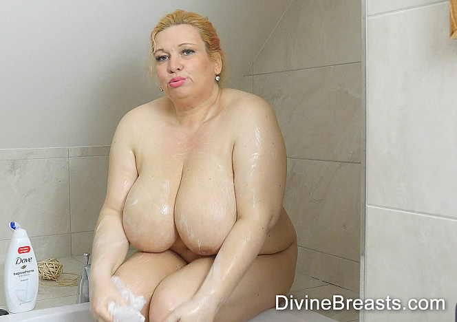 DivineBreasts Marla Slippery Soft Saggers