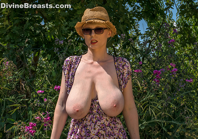 DivineBreasts Casey Deluxe Busty German Exhibitionist