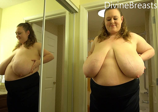 DivineBreasts Paige Busty Mirror Bounce and Jiggle