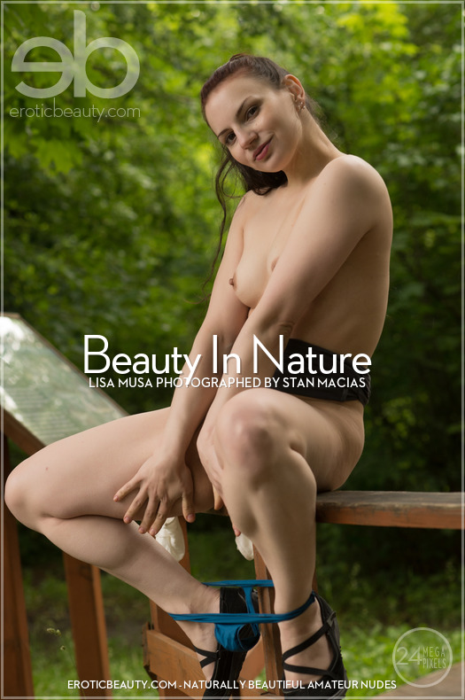 Erotic-Beauty Lisa Musa in Beauty In Nature
