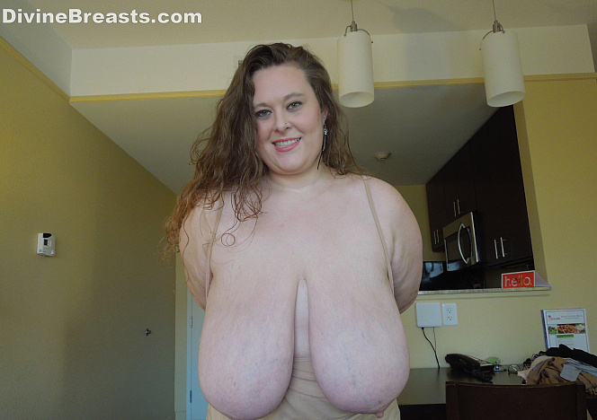 DivineBreasts Paige Gigantomastia Big Breasts