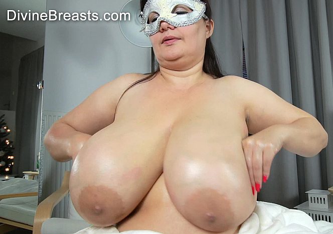 DivineBreasts Julia Soft Slippery Big Breasts