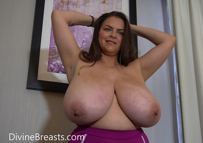 DivineBreasts Alaura Grey Jiggling Topheavy Beauty