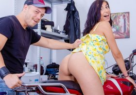 Anal-Beauty.com Cutie opens ass to a badass biker August 29, 2019