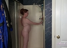 Auntjudys Roux Gets Off in the Shower For You
