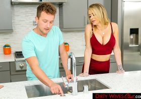 Dirty Wives Club Dirty Wives Club Linzee Ryder Porn star Linzee Ryder takes advantage of her friend's son Oct 13, 2019.mp4