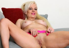Anilos Rebecca Nolan in Tickled Pink