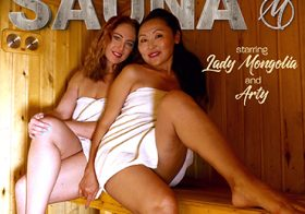 MATURE NL update   13579 two horny mature lesbians having fisting fun at the sauna