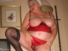 TacAmateurs Girdle Goddess – Mrs Claus Photo Album