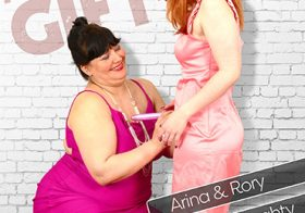 MATURE NL update   12746 big mature mama has a special holiday gift for her lesbian niece