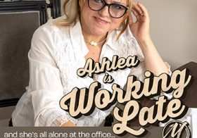 MATURE NL update   13577 mature ashlea is working over and feeling very horny