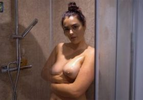 Wankitnow Rogue Shower Antics