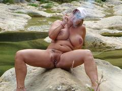 TacAmateurs Nude Chrissy – Nude Smoking Canyon HD Video