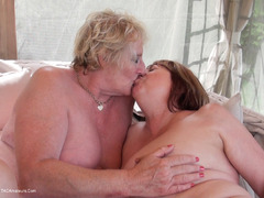 TacAmateurs Claire Knight – Fun On The Gazebo HD Video