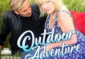 MATURE NL update   12095 naughty milf amy loves fucking and sucking in an open grass field