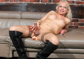 TGirl40 It's Diana Klyueva!