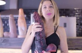 MANYVIDS ArgenDana in Sea Horse Dildo Review