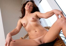 Anilos Ptica in Mature Delight