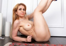 Anilos Karolina in Making Myself Cum