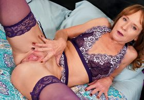 Anilos Cyndi Sinclair in Toy Lover
