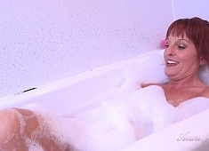 Auntjudys Housewife Beau Plays With Herself for You in the Bathtub