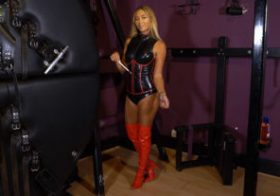 Wankitnow Natalia Forrest First Domme Session