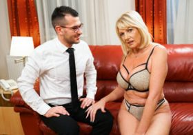 21sextreme Room Service with Extras starring Milf Amy