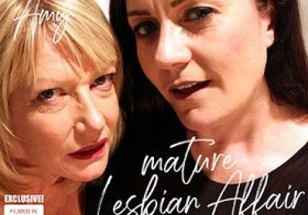 MATURE NL update   12496 mature amy and leia organa are having a naughty lesbian affair