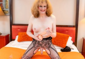 TGirl40 Canblondell Pleases Her Ass And Cums!