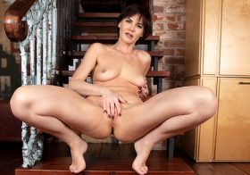 Anilos Mia in Brunette Beauty