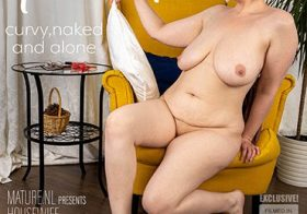 MATURE NL Curvy housewife Margo is getting very frisky when she takes off her clothes