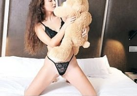 Plushies.tv Apolonia – Hotel Sex Video