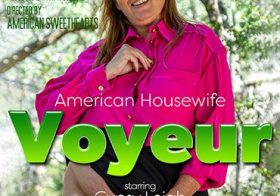 MATURE NL American housewife voyear gets naughty in the woods, then takes you home