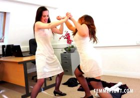 Clips4Sale FF658_Airport – MP4 4K UHD #CATFIGHT/CATBALL CATFIGHTING GLAMOUR GIRLS