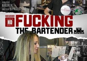 MATURE NL Victoria Filth is fucking a bartender at work