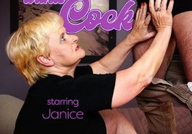 MATURE NL Granny Janice wants cock