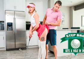 StepSiblingsCaught Chloe Temple in StepBroGetsAHoleInOne-S16:E2
