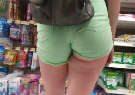 Yourvoyeurvideos Green jeans shorts at supermarket
