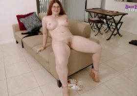 Modelhub luke-longly Step Daughter with Huge Tits Wants to Know if Her Bikini is Small Enough – Bess Breast