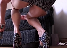Auntjudys Housewife Cindy Cleaning Upskirt & Pussy Play