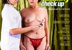 MATURE NL a 32 year old lesbian gynaecologist is having a granny checkup