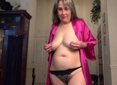 Auntjudys Spying on Grace Gets You a Handjob